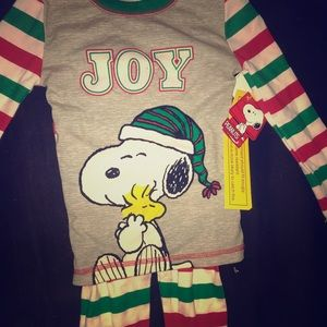 Christmas snoopy pjs 4t